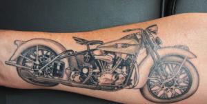 motorcycle-tattoo-on-leg